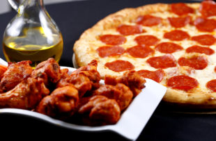 fresh and hot pizza and wings combo for dinner time
