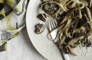 Whole Wheat Fettuccine With Mushroom Ragu