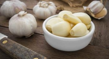 Peeled garlic in bowl