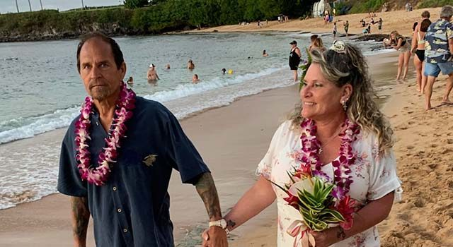 With Scott Jenkins in remission from cancer, he and Teresa were finally able to take a long-awaited trip to Hawaii in 2009 to renew their wedding vows.